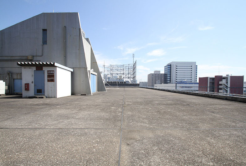 田町 WAREHOUSE Kaigan 屋上2