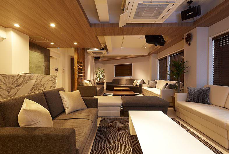 Lounge-R-Premium