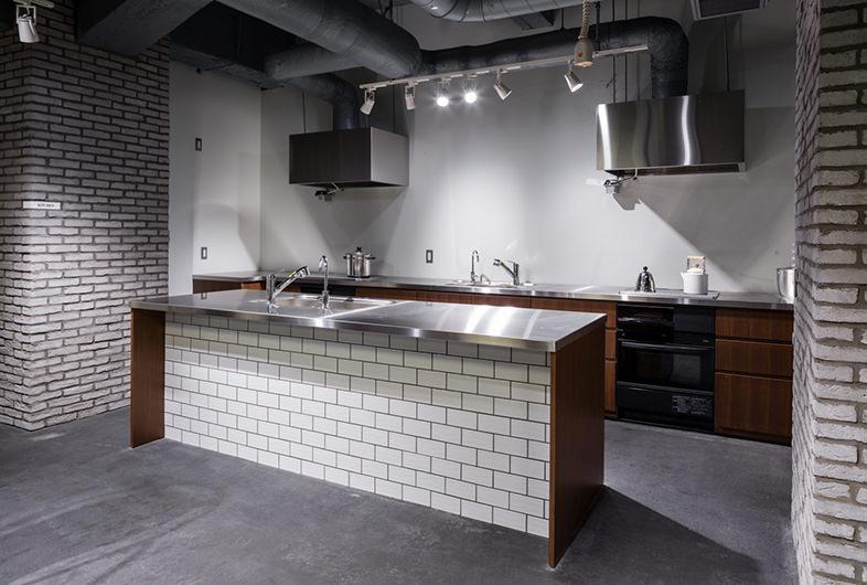 アイランドキッチンのある撮影スタジオ-6選-