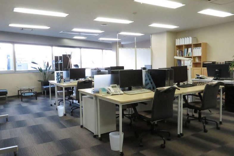 新宿2丁目マンション・オフィス・屋上スタジオ / 髙商スタジオ