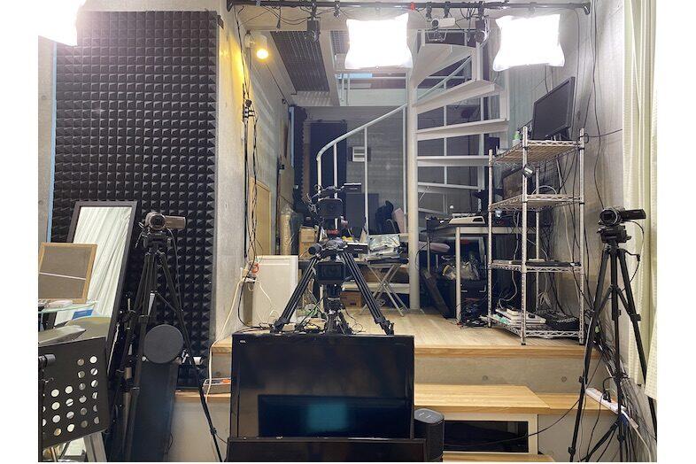 STUDIO B-CAVE ( 3STYLE )